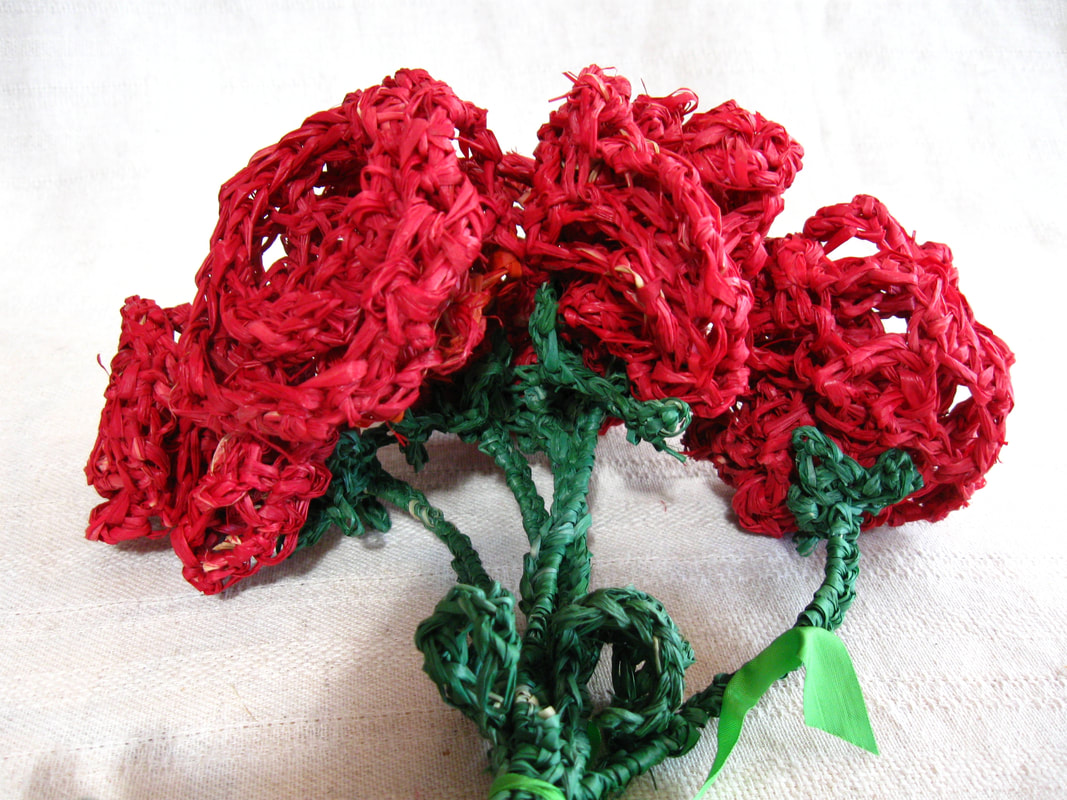 Red Raffia Rose Bouquet